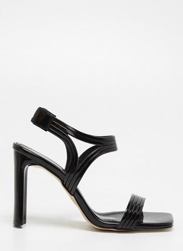 F By Fabrika F By Fabrika Cassandra Parlak Çok Renkli Kadın Topuklu Ayakkabı Siyah